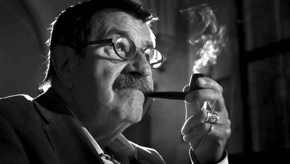 Nobel Prize for Literature winning German author Günter Grass passed away on Monday at the age of 87.