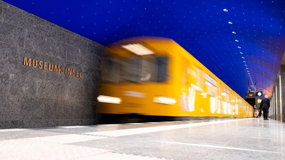 Neuer U-Bahnhof »Museumsinsel« in Berlin: Jungfernfahrt unterm Sternenhimmel