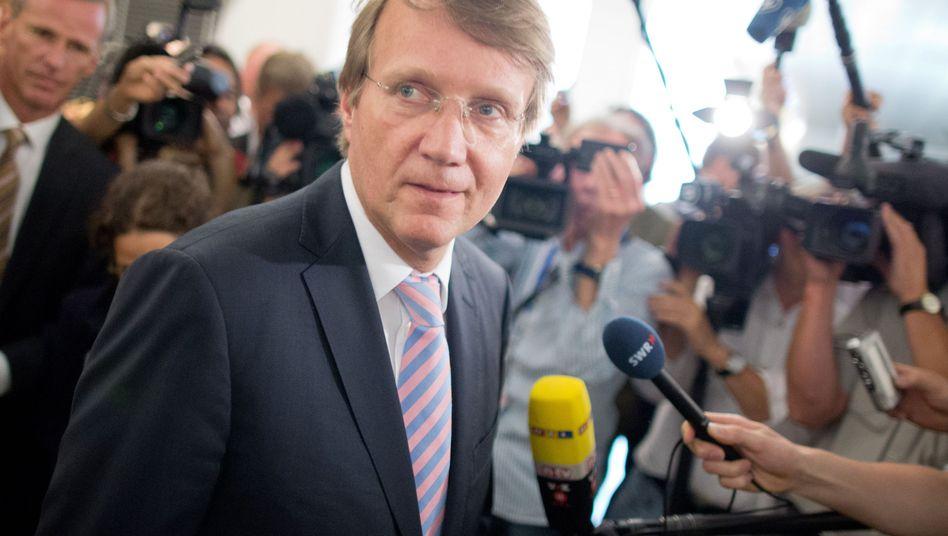 """Kanzleramtsminister Pofalla vor dem Parlamentarischen Kontrollgremium (am 25. Juli): """"Tricksen, tarnen und täuschen"""""""