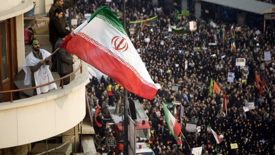 Protests in Iran: A scandal involving federal police officers who guard the German embassy in Tehran has proven embarrassing for Germany.