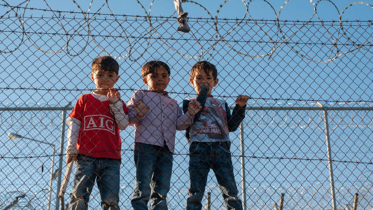 Unionspolitiker wollen Kinder aus griechischen Flüchtlingslagern holen - DER SPIEGEL - Politik