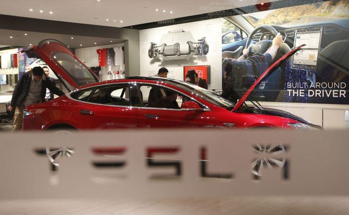 Tesla-Verkaufsraum in Peking