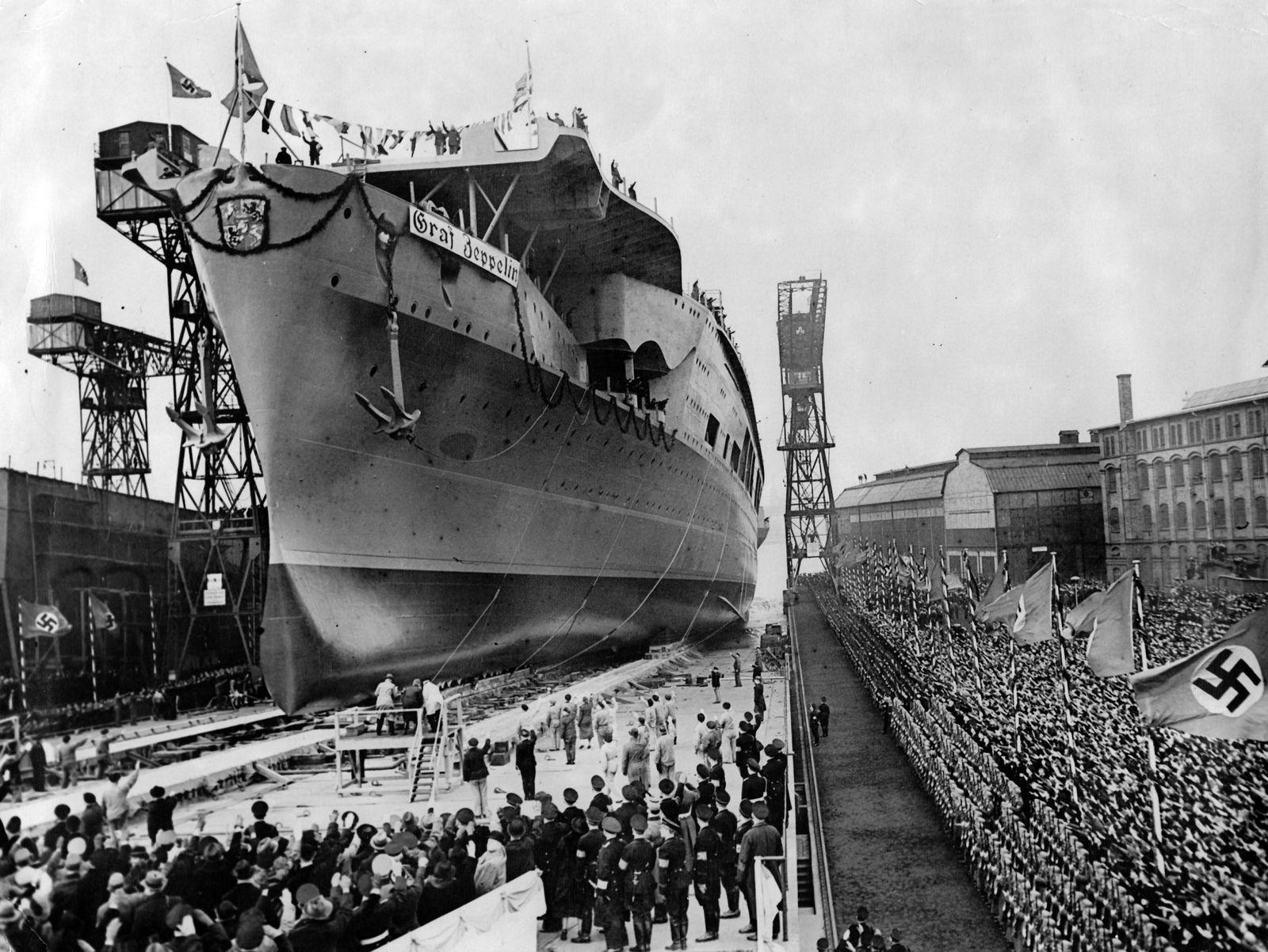"""EINMALIGE VERWENDUNG NUR FÜR SPIEGEL Plus SPIEGEL 42/2017 Hitlers Flugzeugträger """"Graf Zeppelin"""" (STARTBILD)"""