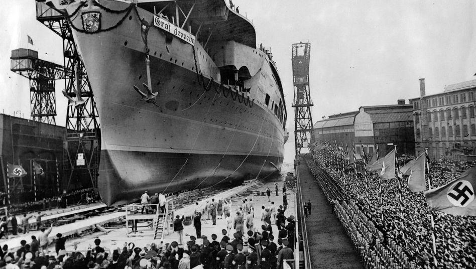 """Stapellauf der """"Graf Zeppelin"""" 1938"""