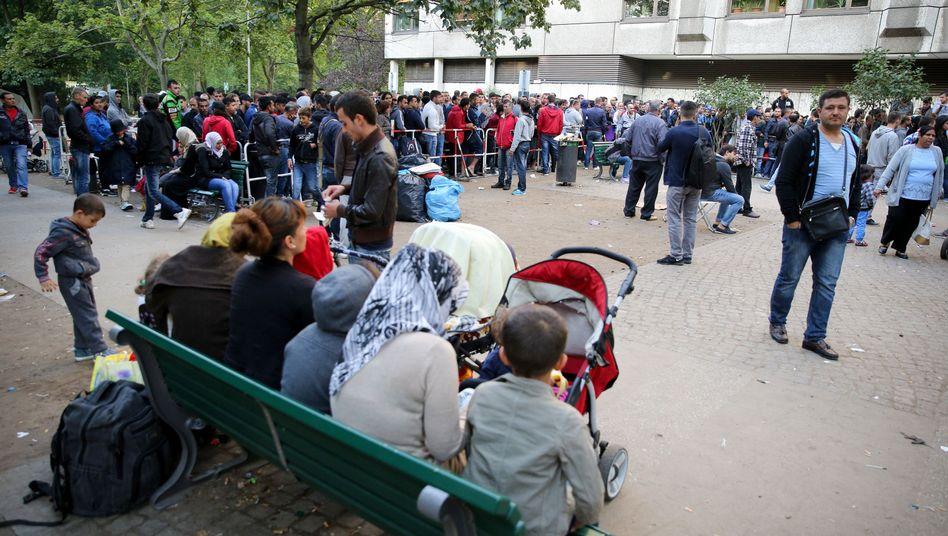 Flüchtlinge in Berlin: Dublin-Verfahren für Syrer ausgesetzt