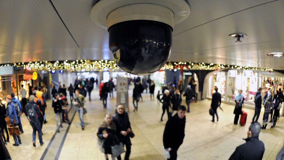 Sicherheit an Bahnhöfen: Bahn-Chefwill Videoüberwachung verschärfen