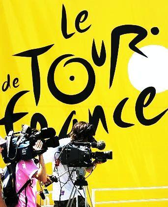 """Kameras vor Tour-Logo: """"Unsolidarische Entscheidung"""""""