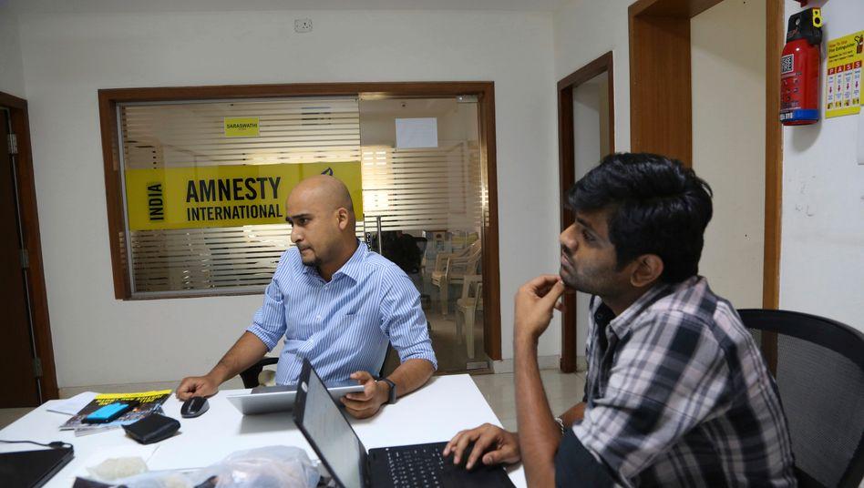 Mitarbeiter von Amnesty International India in der Zentrale in Bangalore (Februar 2019): eingefrorene Konten, erzwungene Entlassungen
