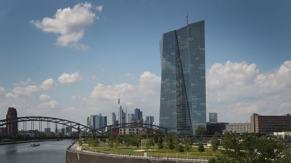"""ECB headquarters in Frankfurt: """"The best policy to counteract social inequality is to create growth and jobs."""""""
