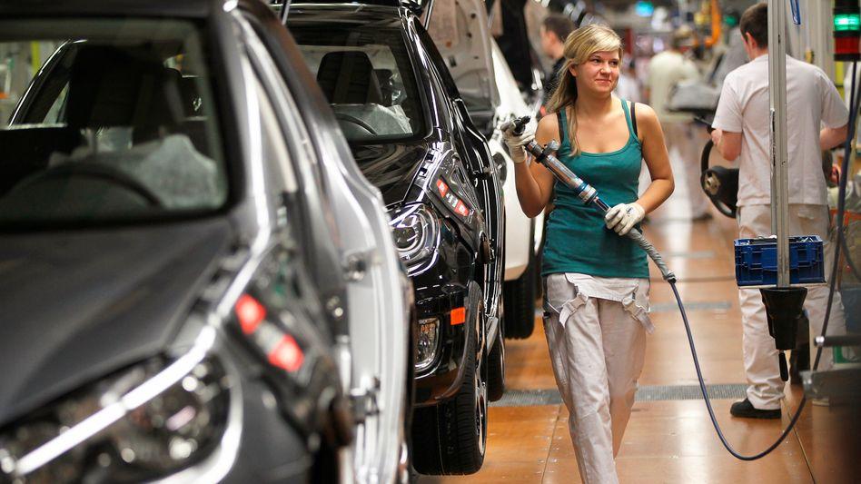 Arbeiterin bei Volkswagen in Wolfsburg: Abwehrreflex von Lobhudelei