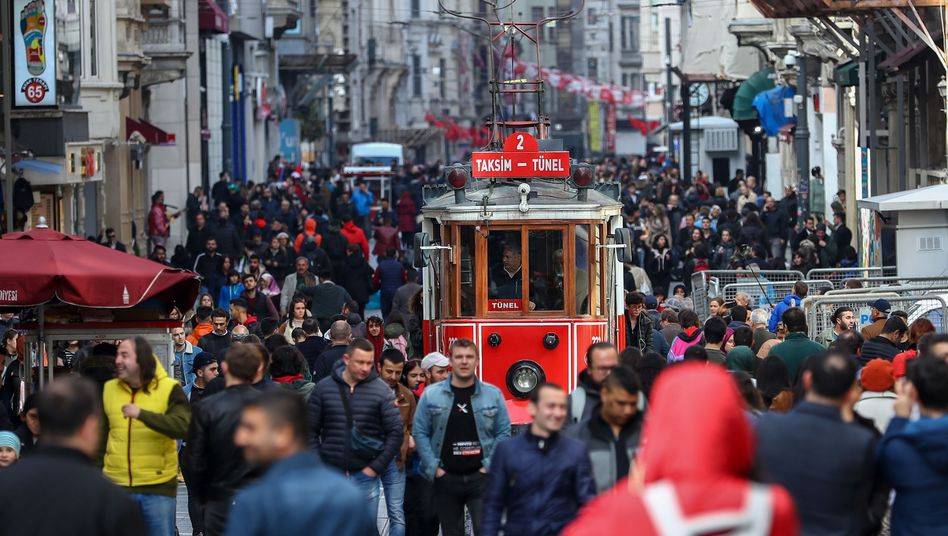 Straßenszene in Istanbul (Archiv)