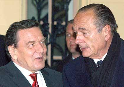 Deutsch-französische Friedenstaktiker? Schröder und Chirac (im Dezember 2002 in Storkow)