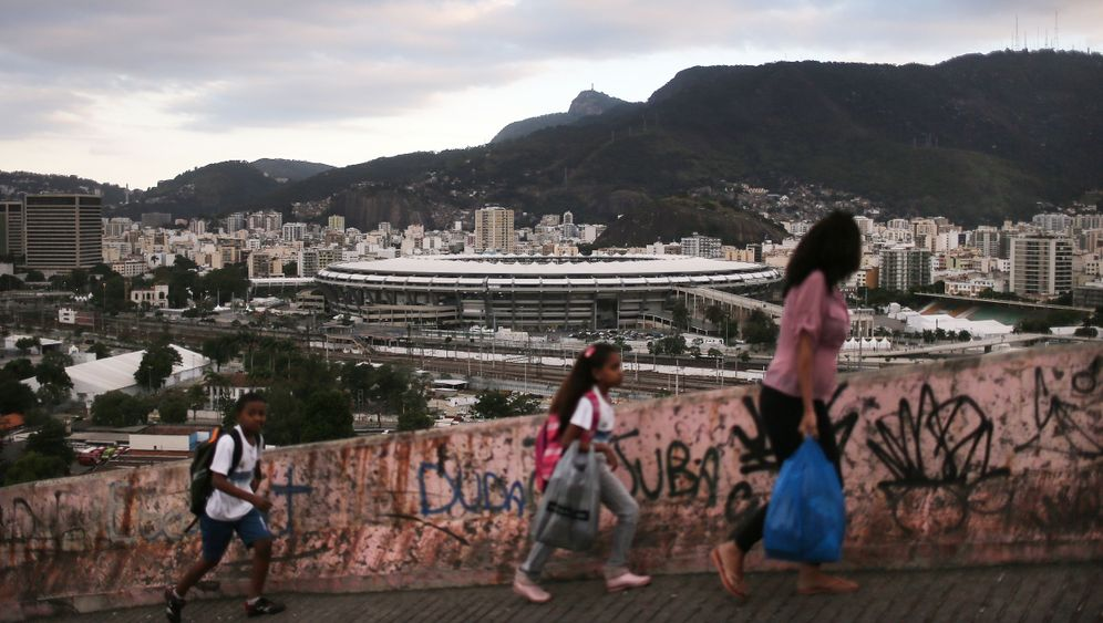 Photo Gallery: Brazil's Woes Overshadow Olympics
