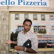 Opfer Kulvir Singh vor der Pizzeria: Vom Mob verfolgt