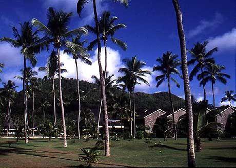 In einer riesigen Parkanlage befindet sich der Plantation Club im Südwesten Mahés