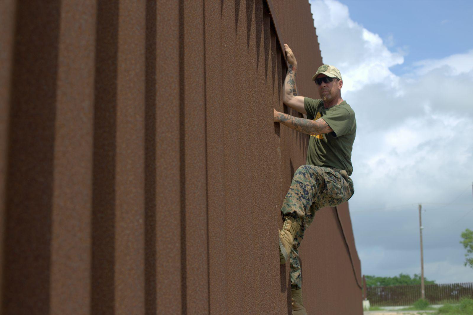 Grenze KC hängt am Zaun