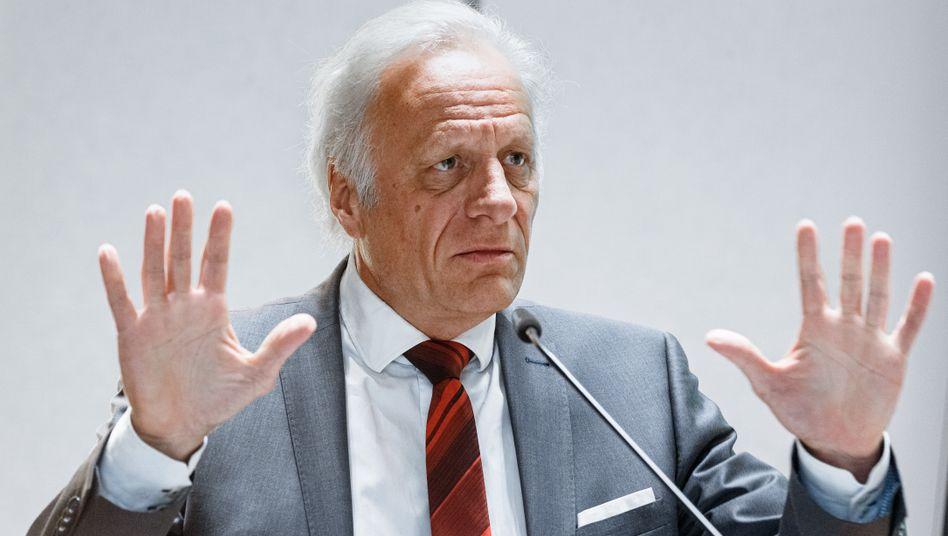 Walter Plassmann, Vorsitzender der Kassenärztlichen Vereinigung in Hamburg