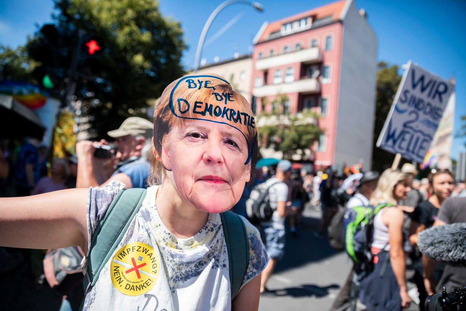 Demonstration gegen Corona-Maßnahmen in Berlin