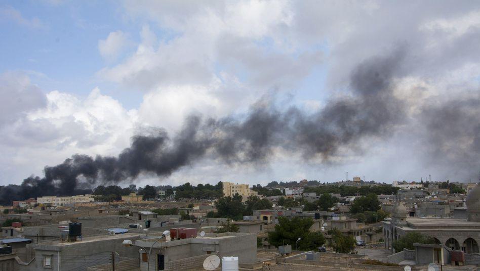 """Gewalt in Ostlibyen: """"Die Flüchtlinge brauchen dringend Lebensmittel und Wasser"""""""