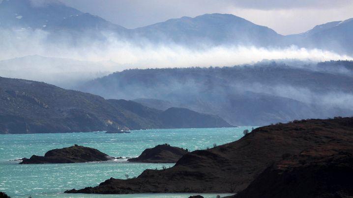 Chiles bekanntester Nationalpark: Waldbrand außer Kontrolle