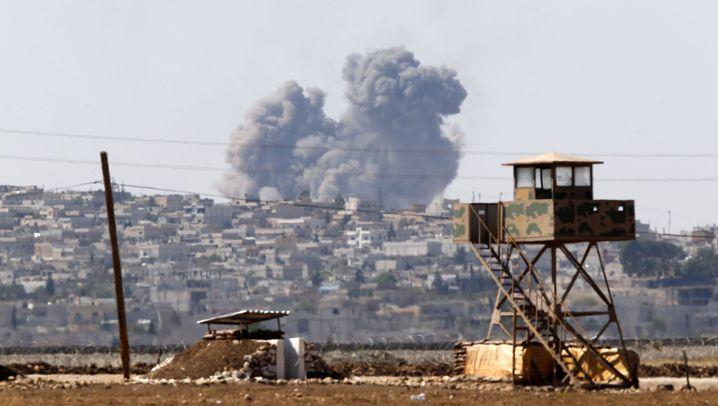 Kampf um Kobane: Schwarzer Rauch und schwarze Flagge