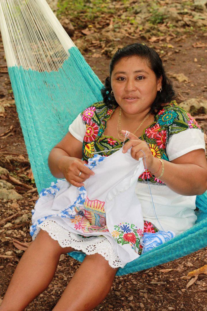 """Im Maya-Dorf: Reiseanbieter werben mit """"authentische Begegnungen"""" mit Einheimischen - diese sind natürlich trotzdem inszeniert."""