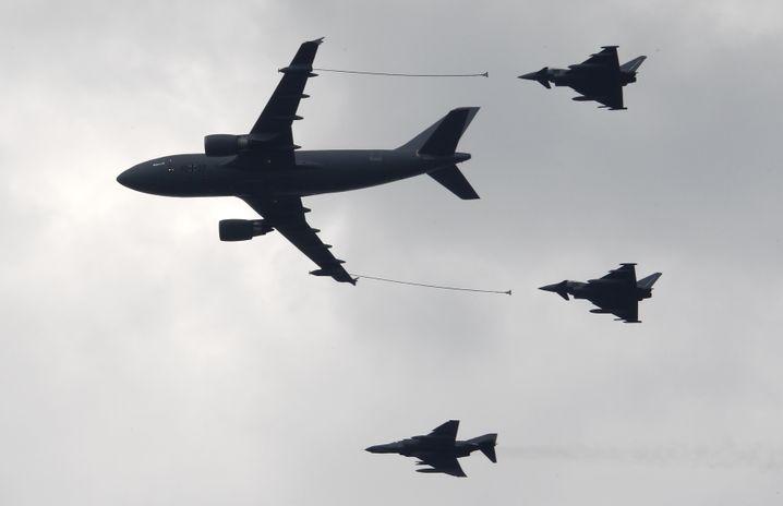 Airbus-Tankflugzeug bei einer Flugshow in Berlin (Symbolbild)