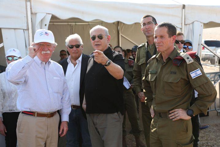 Bolton, Friedman und Netanyahu im Jordantal: Hubschraubertour am Sonntag