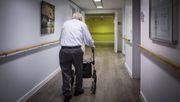 Diese Versicherung hilft wirklich, wenn Sie im Alter pflegebedürftig werden