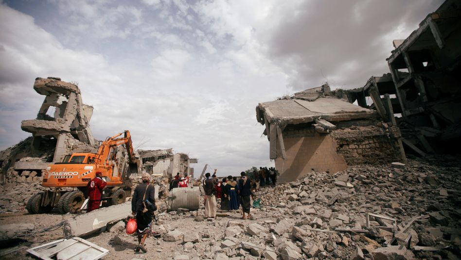 Hilfskräfte an Angriffsort im Jemen: 200 Leichensäcken nach Dhamar geschickt
