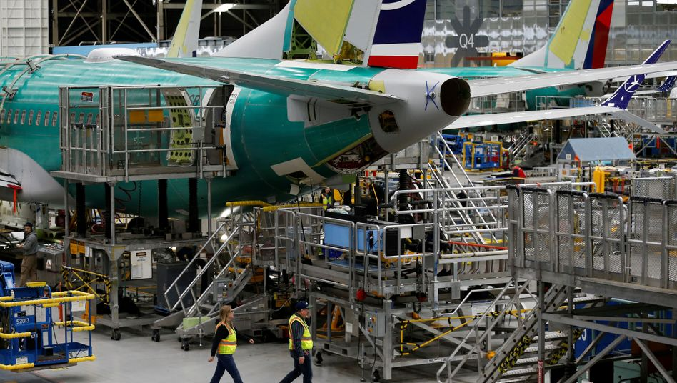 Eine 737 Max im Boeing-Werk in Renton, Washington: Der Flugzeugbauer arbeitet eigenen Angaben zufolge daran, die neuen FAA-Anforderungen zu erfüllen
