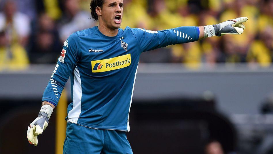 Yann Sommer Von Borussia Monchengladbach Fallt Verletzt Aus Der Spiegel