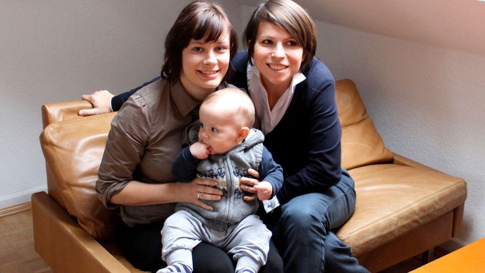"""Linda und Kathrin K. mit Sohn Hugo: """"Einen Mann finden, der das mit uns durchzieht"""""""