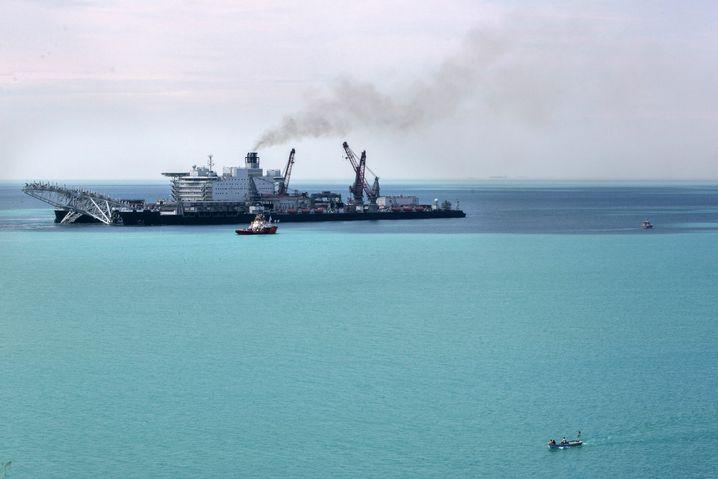 Verlegeschiff 2017 in Istanbul: Türkei als globale Drehscheibe für Energie?