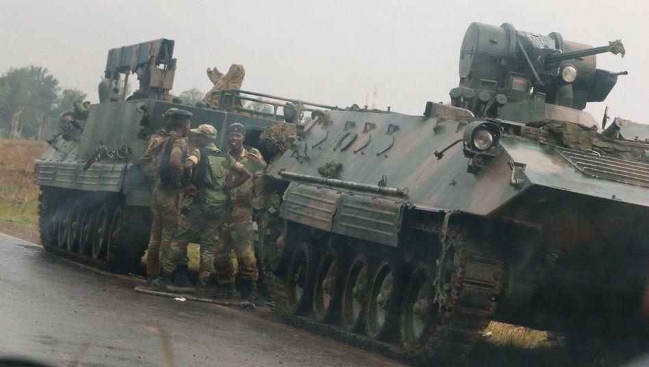 Simbabwe: Militär übernimmt Macht - dementiert Putsch gegen Mugabe