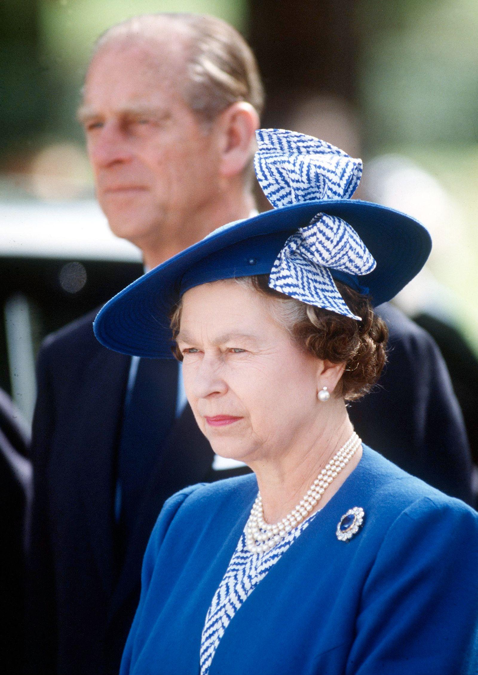 EINMALIGE VERWENDUNG Queen Elizabeth