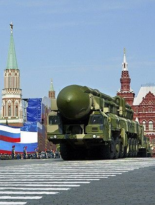 A Russian truck-mounted Topol-M intercontinental ballistic missiles rolling in the annual Victory Day parade in Moscow: Nuclear disarmament and arms control provide an opportunity for the US and Russia.