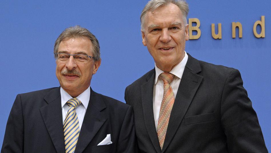 Bitkom-Chef Kempf und BKA-Präsident Ziercke: 19 Prozent mehr Intenert-Kriminalität