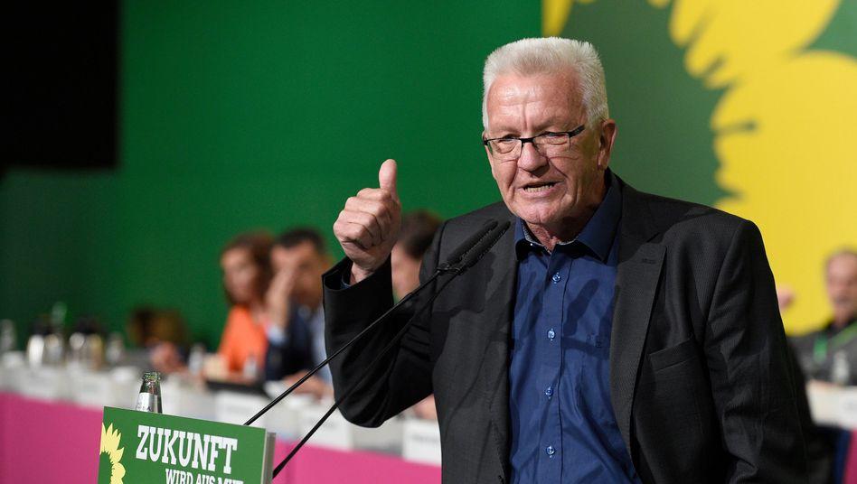 Grüner Ministerpräsident Kretschmann beim Parteitag
