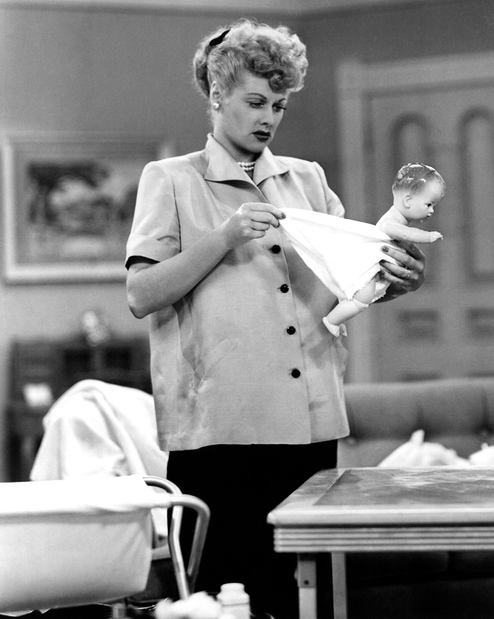 I LOVE LUCY, Pregnant Women Are Unpredictable , aired Dec. 15, 1952, Lucille Ball, 1951-1957 Courtesy Everett Collection