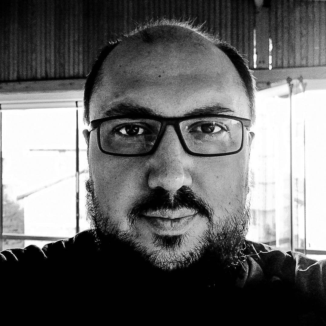 EINMALIGE VERWENDUNG Akif Sahin