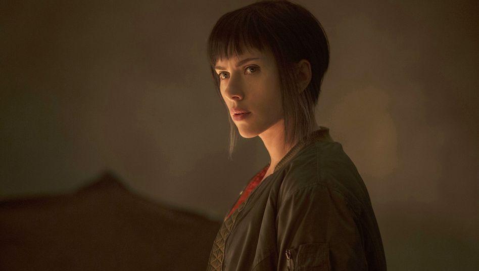 """Scarlett Johansson in """"Ghost in the Shell"""""""