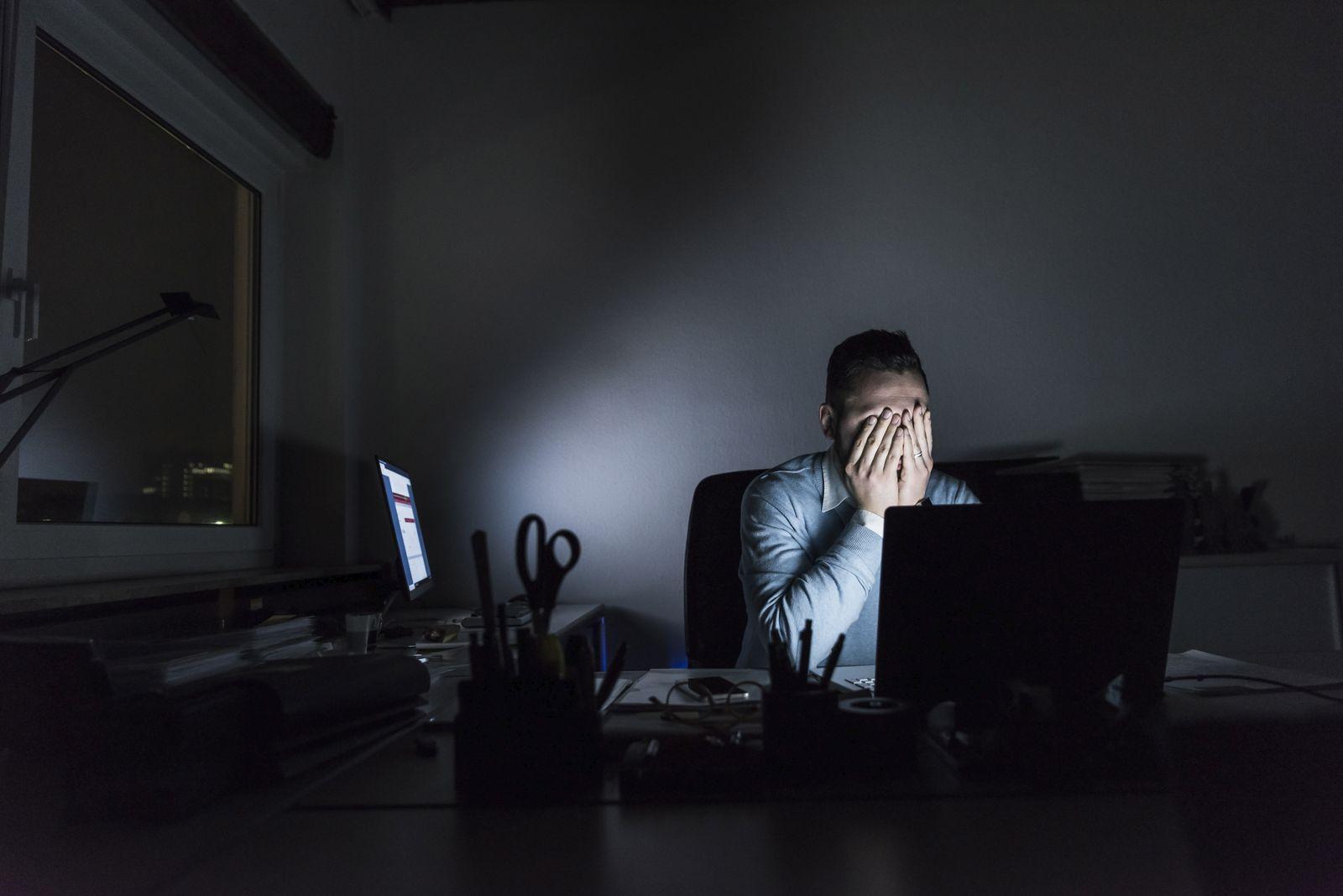 EINMALIGE VERWENDUNG Arbeit/ Depressionen
