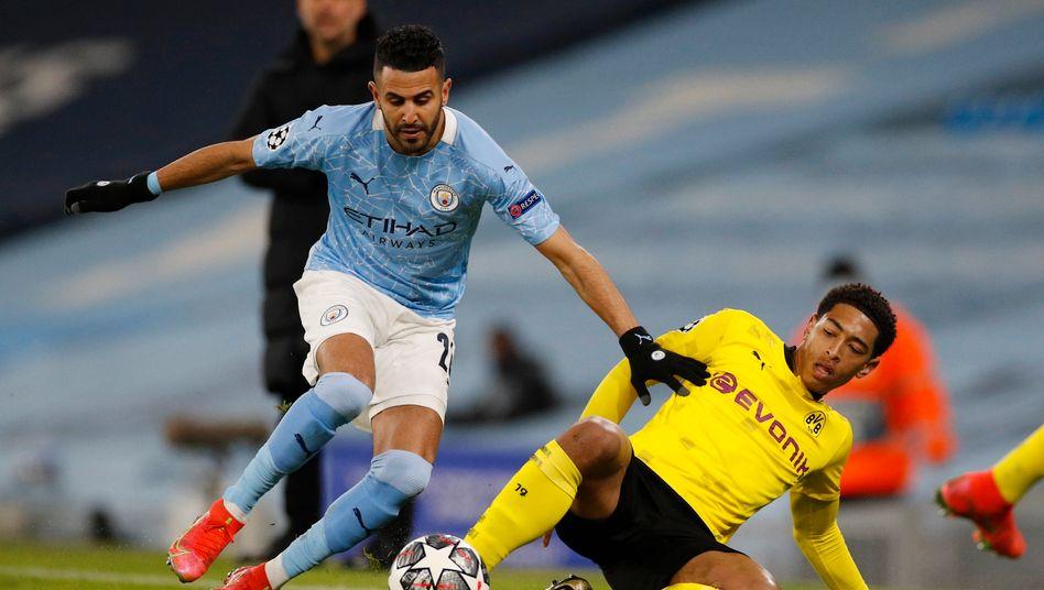 Jude Bellingham (r.) ist 17 Jahre alt und zeigte gegen Manchester City eine überzeugende Leistung