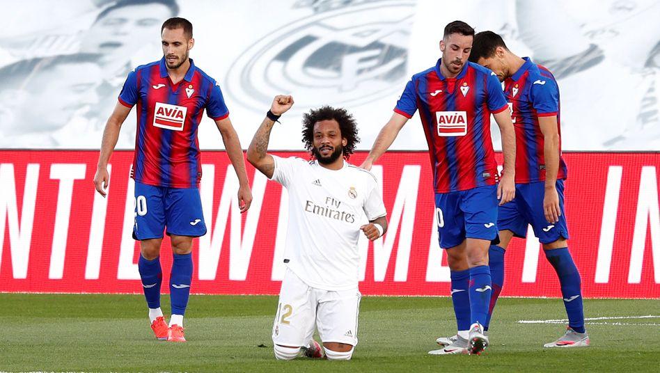 Marcelo freut sich über sein Tor zum zwischenzeitlichen 3:0