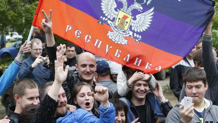 Donezk und Luhansk: Jubel über Referendumsergebnis