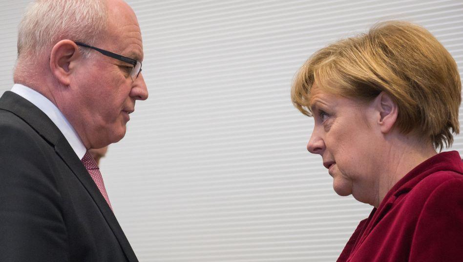 """Kanzlerin Merkel, Fraktionschef Kauder: """"Appellativer Charakter"""""""
