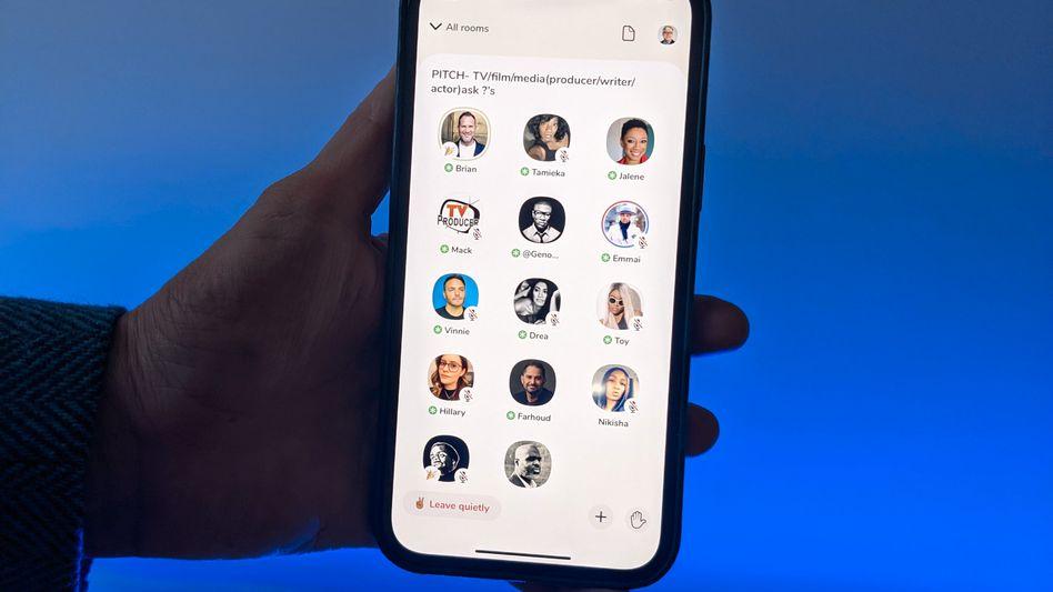Clubhouse-App: Nutzerinnen und Nutzer können jetzt über ihre Telefonnummer eingeladen werden