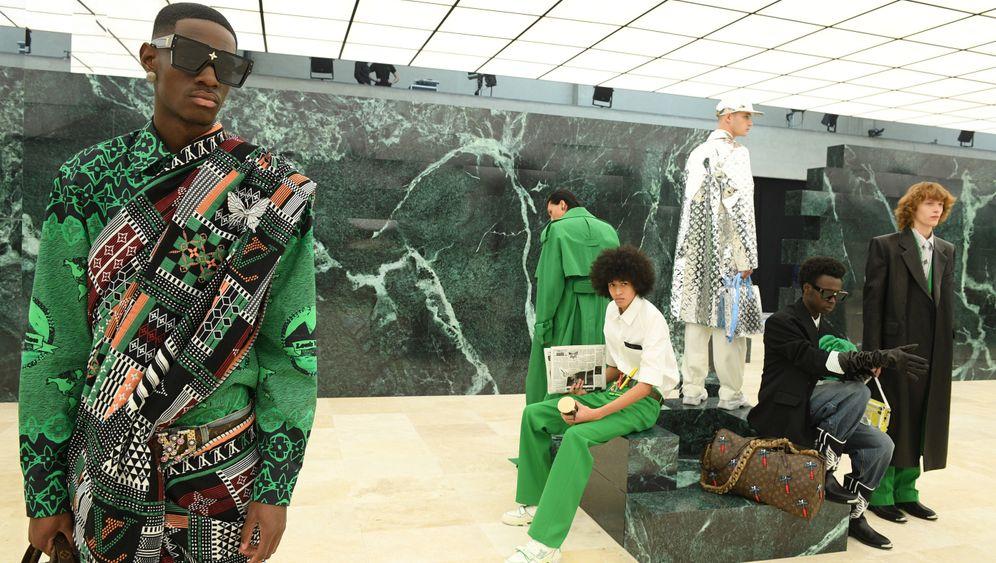 Szene aus der Präsentation der neuen Herbstkollektion für Herren von Louis Vuitton