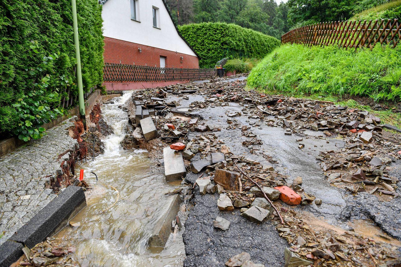 Unwetter in Hagen, Unwetter in Hagen, Nach starken Regenfällen in der Nacht zum 14.07.2021 stehen grosse Teile von Hagen
